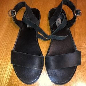 Black Steve Madden summer sandals